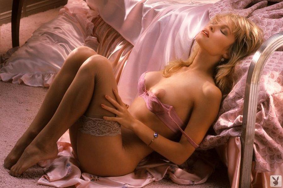 Pamela Anderson - Playboy 01