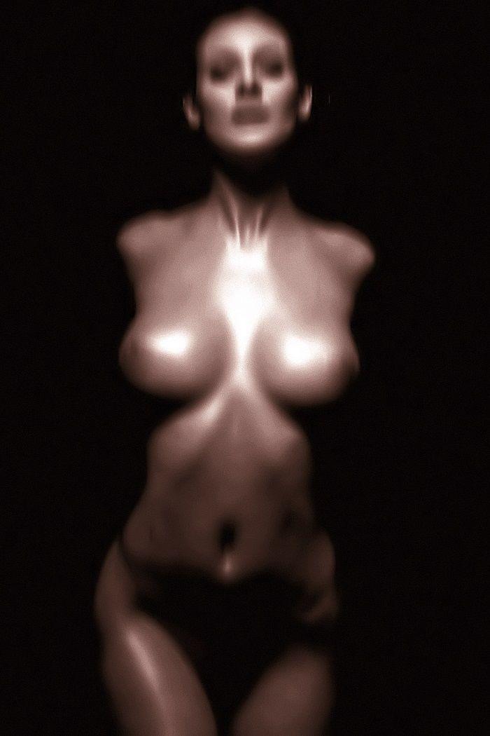 emmanuelle chriqui topless