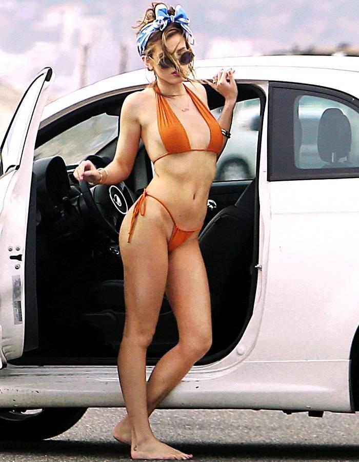 Bella Thorne - bikini 01