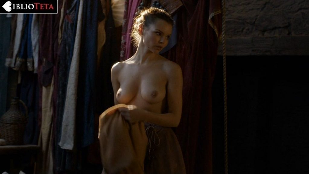 Eline Powell - Game of Thrones 01