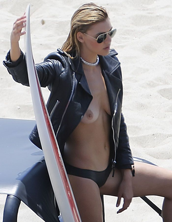 Kelly Rohrbach - topless 01