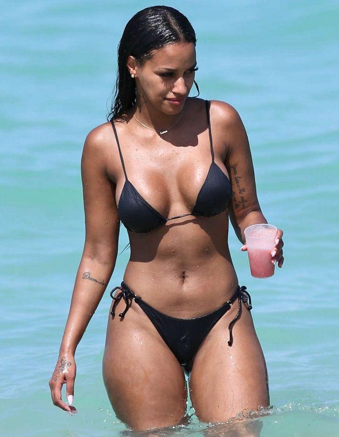 Fanny Neguesha - Miami 01