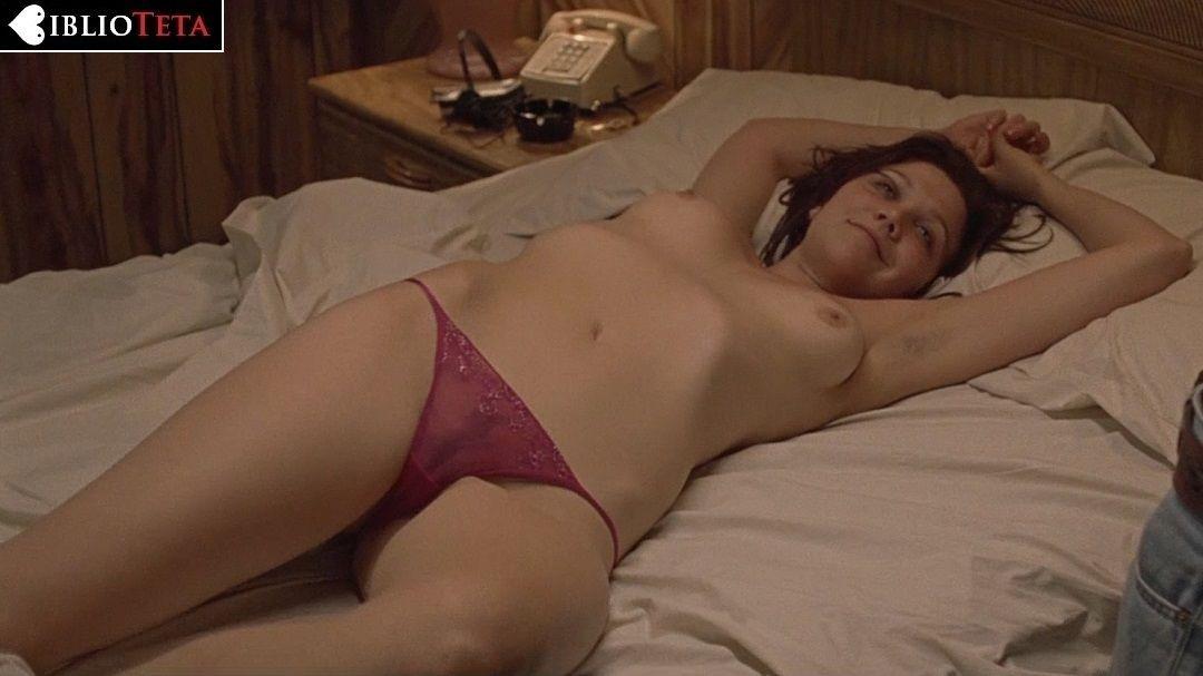 Maggie gyllenhaal muestra tetas