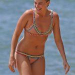 Margot Robbie - Hawaii topless 04
