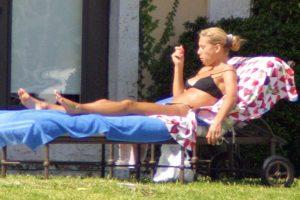 Anna Kournikova topless 03