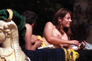 Elizabeth Hurley topless 02
