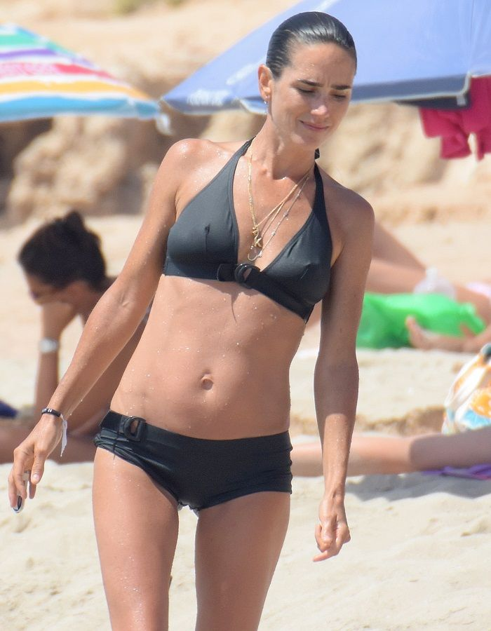 Jennifer Connelly - Formentera 01
