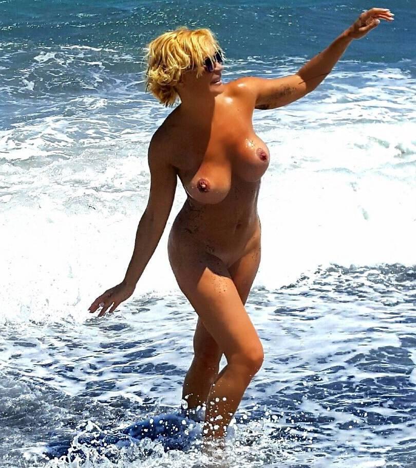 Marlene Mourreau Deslumbra Con Varias Fotos Desnuda En Twitter