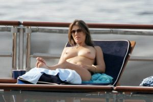 elizabeth-hurley-topless-italy-02