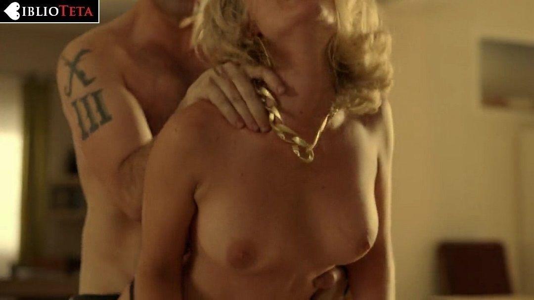 Lisi Linder Desnuda En Mar De Plástico 2x02