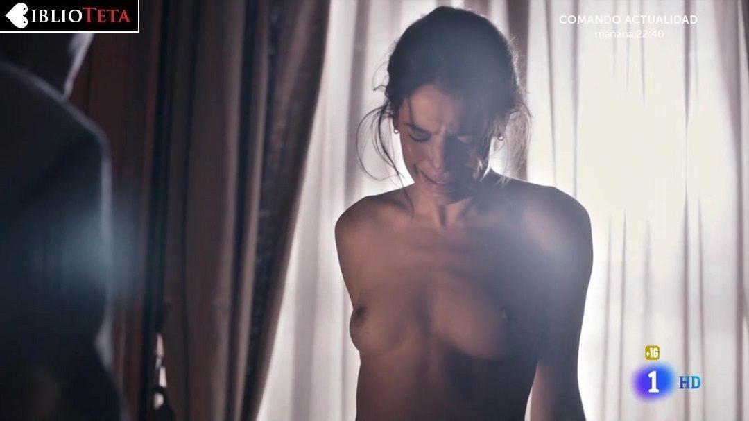 Claudia Traisac  nackt