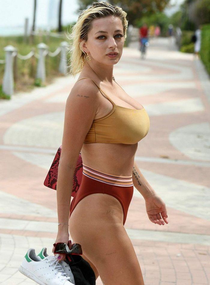 Caroline Vreeland Muy Sexy En Bikini Por Miami