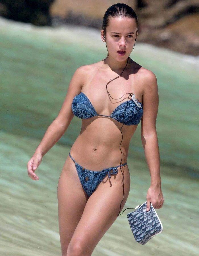 Alizée Y Sus Legendarias Fotos En Bikini Por Las Seychelles