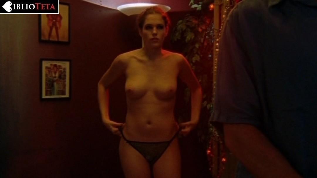 Amanda Righetti Desnuda En Angel Blade 2002
