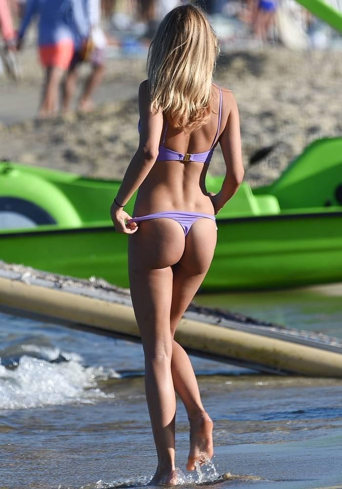 beach-holand-pic-girl-sg-naked-male