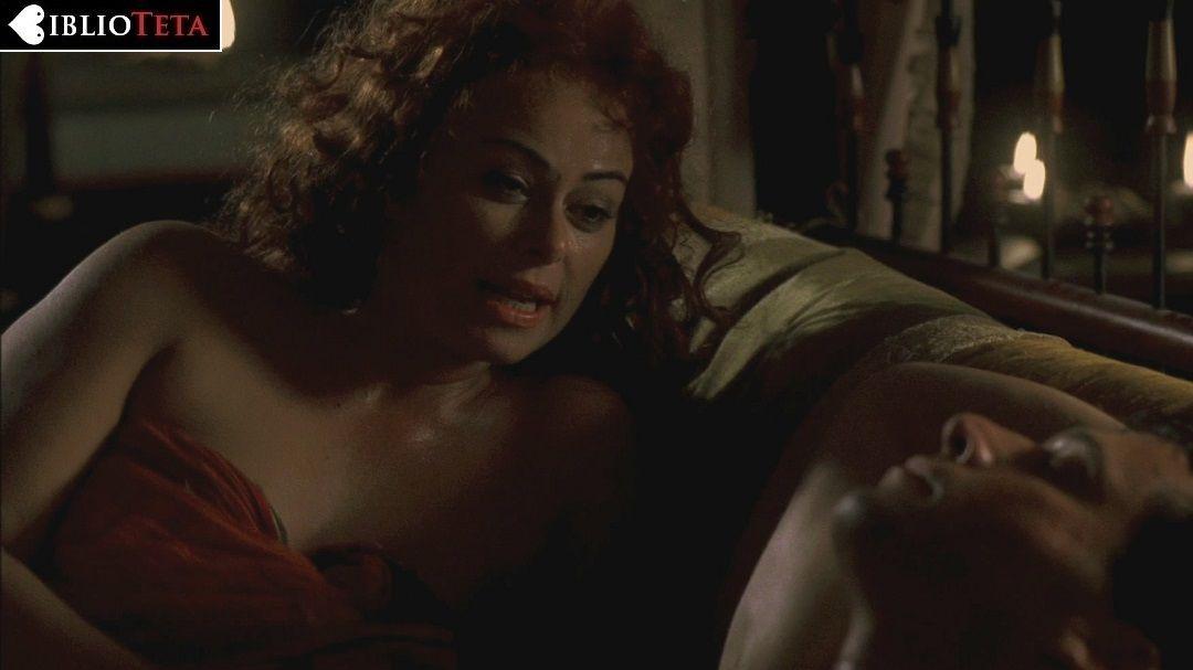 Polly Walker desnuda en Rome ANCENSORED