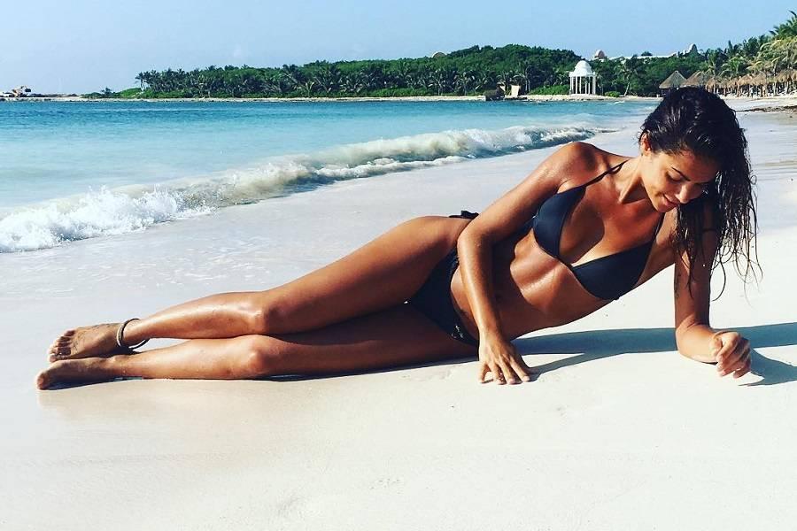 Lara Alvarez en bikini