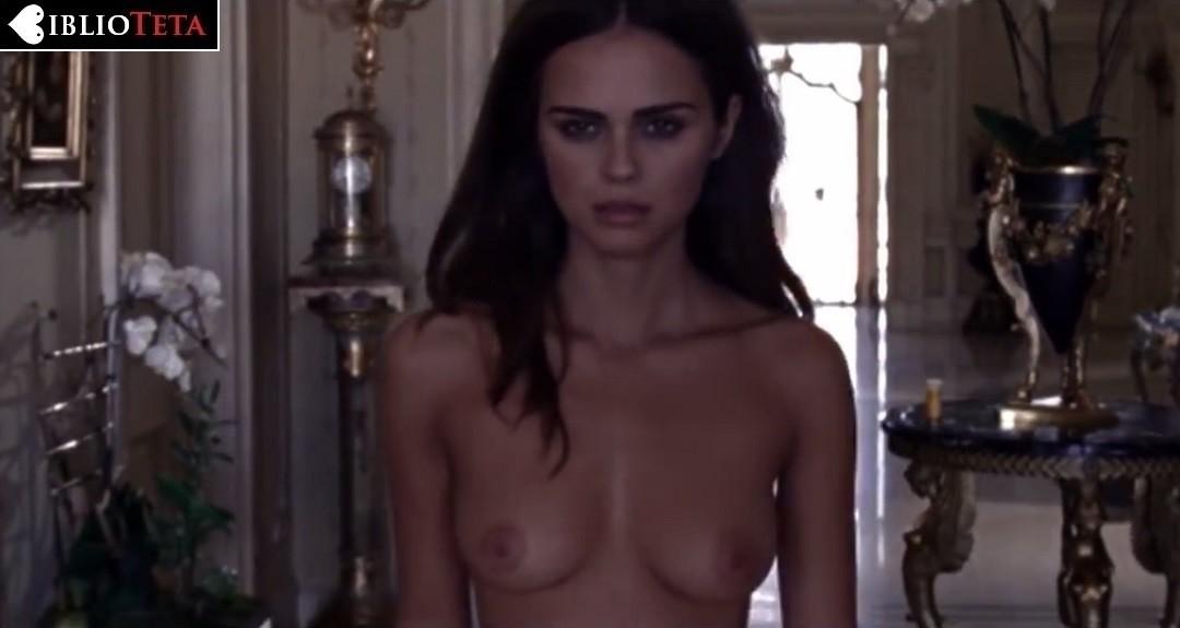 Xenia Deli Desnuda En Un Videoclip De Calvin Harris