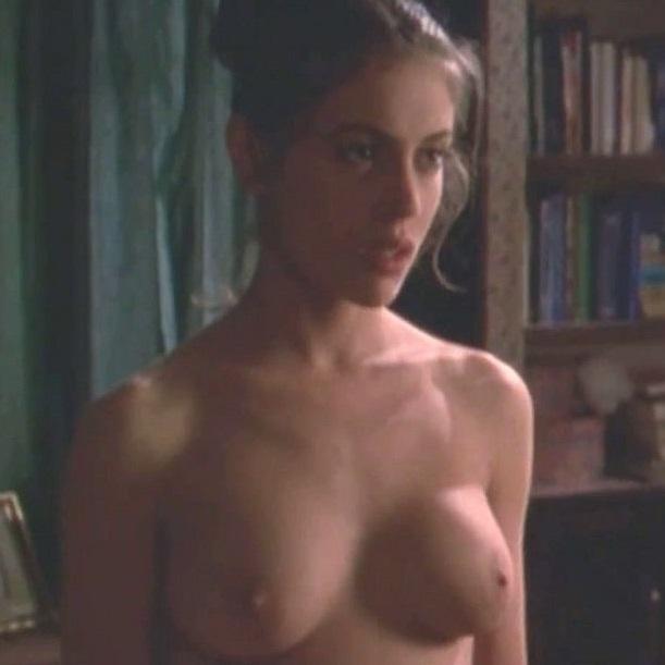 голая алиса милано видео на телефон - 6