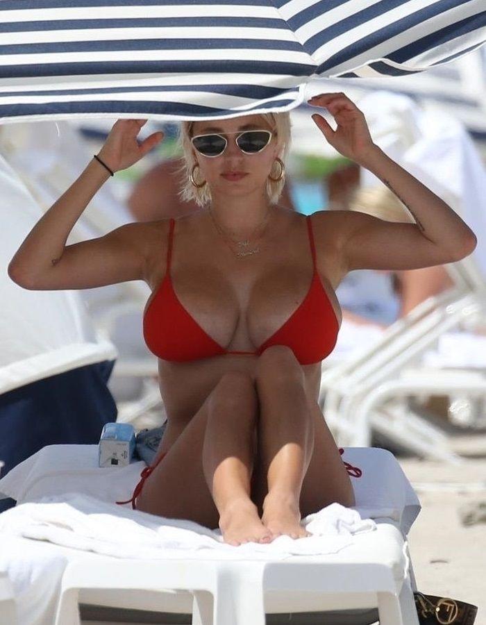 Caroline Vreeland en bikini