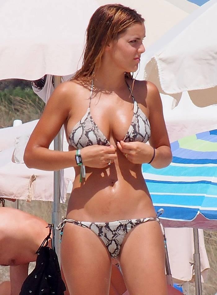 Alejandra Onieva Espectacular En Bikini Por Formentera