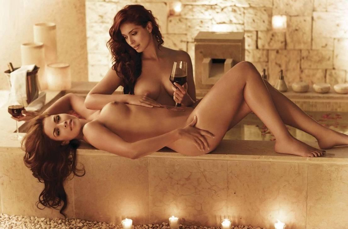Anais Salazar Y Lili Brillanti Desnudas Para H Extremo La Biblioteta