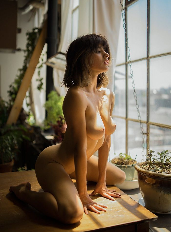 Mia Valentine - Jonathan Red