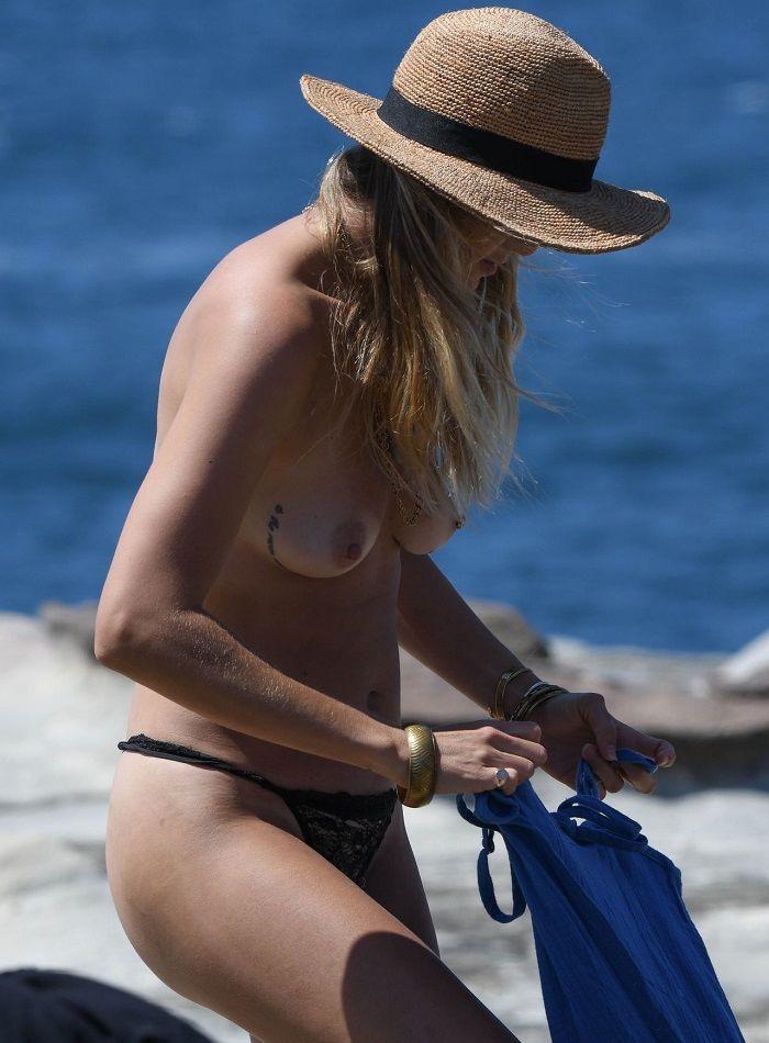 Kendal Schuler en topless