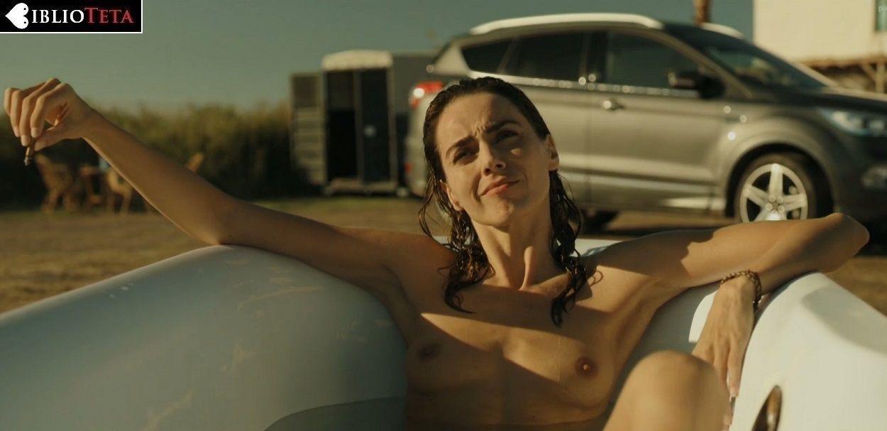 Irene Arcos Desnuda En La Temporada 2 De El Embarcadero La