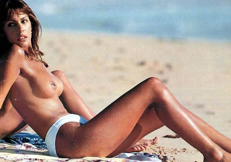 Jacqueline de la Vega topless
